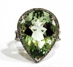 Alan Diamonds Green Ring