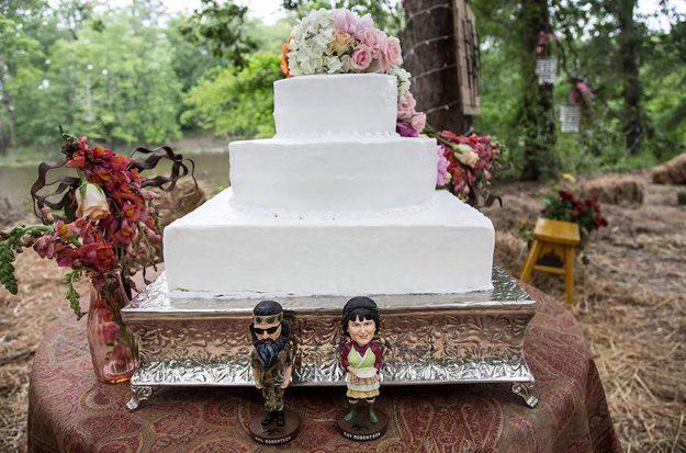 13-phil-and-kay-wedding-cake
