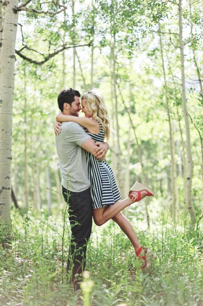 romantic engagement photos ideas