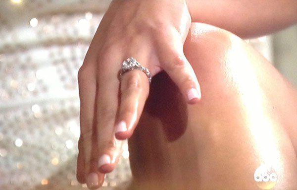des the bachelorette engagement ring