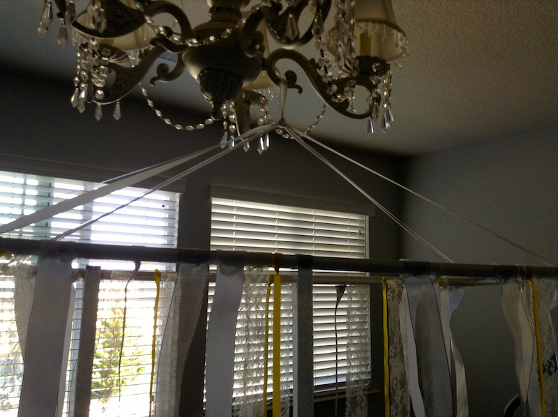 DIY ribbon chandelier by the yes girls4