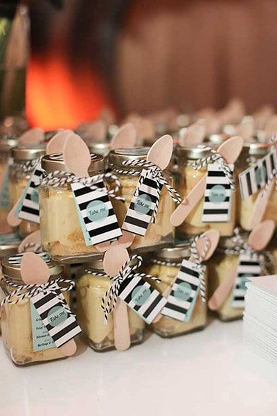 wedding favor with wooden spoon