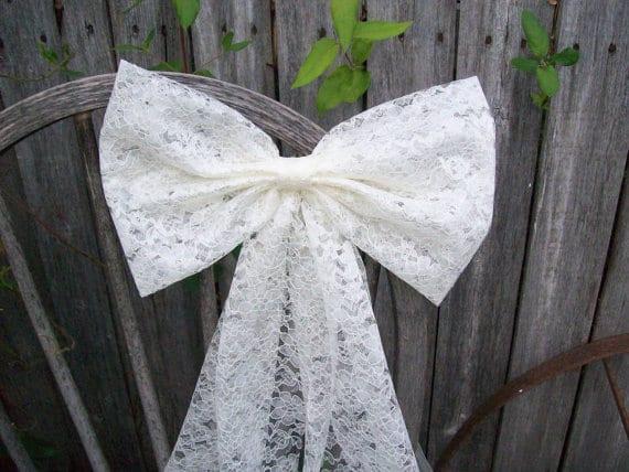 lace wedding decor