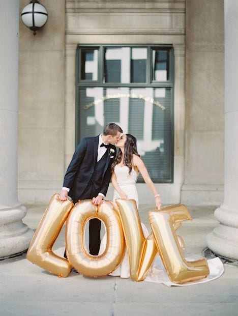 bride and groom LOVE helium balloons