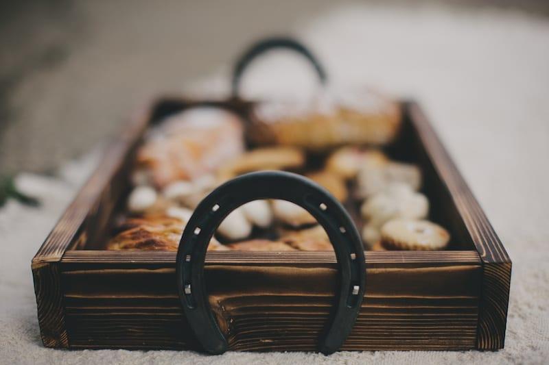 horseshoe personalized tray