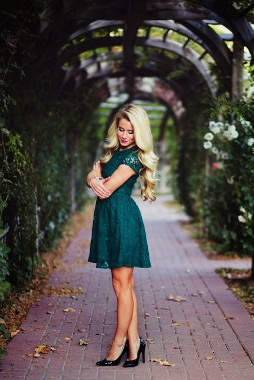 girl in green dress  for a wedding