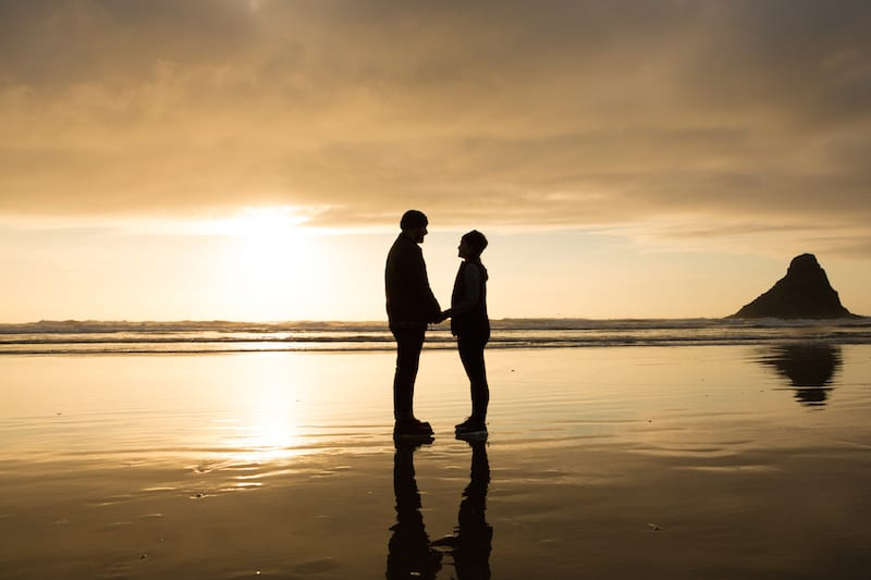 Oregon Coast couple in love