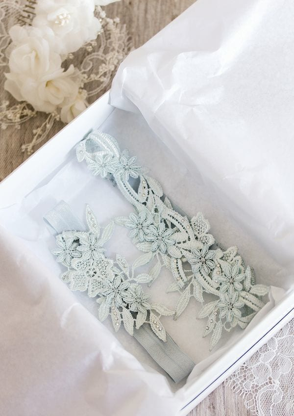 something blue: bridal garter