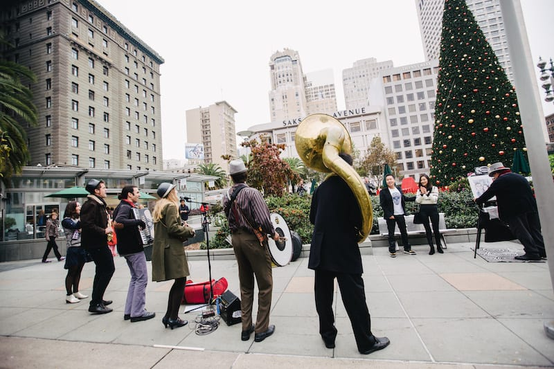 flash mob style proposal in the city