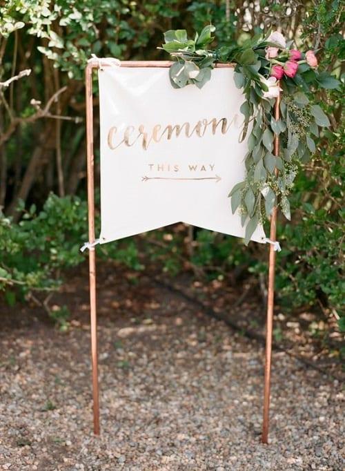 Unique DIY Wedding Signs