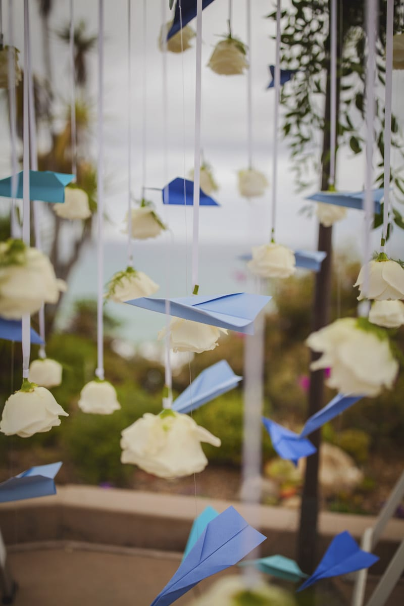 Proposal with Paper Airplanes