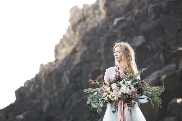 flowing bride bouquet