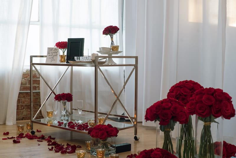 red roses covering the room proposal