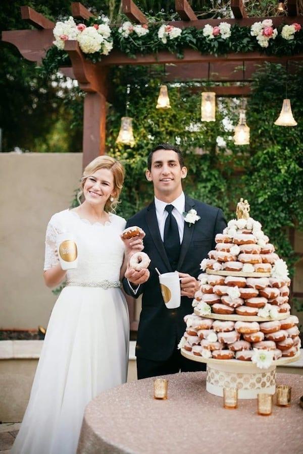 donut cake bride nd groom