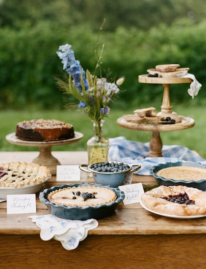 pie for wedding cake