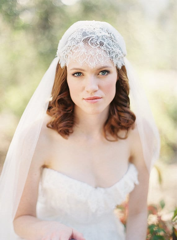 veil that comes over the top of your head