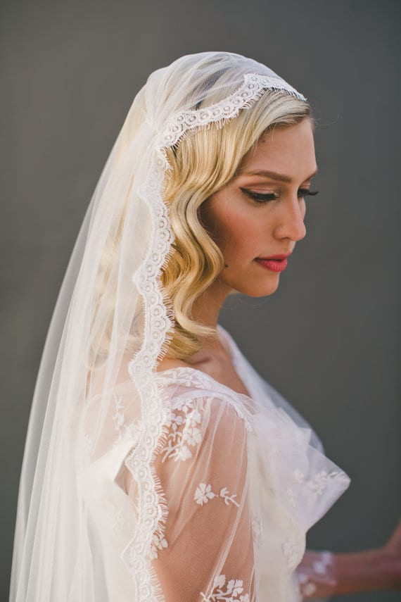bride veil that sits on top of your head