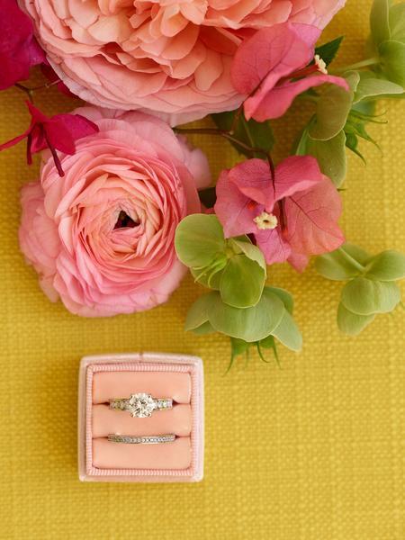 peach ring box