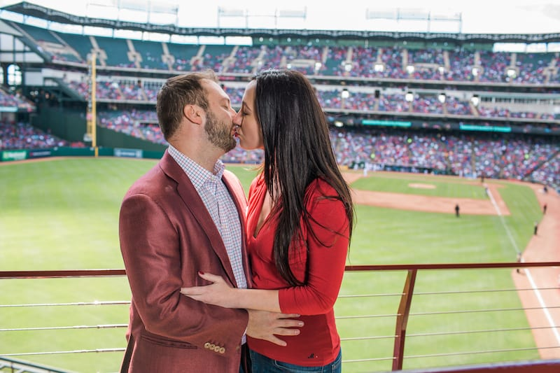proposal during baseball game that isn't on a scoreboard