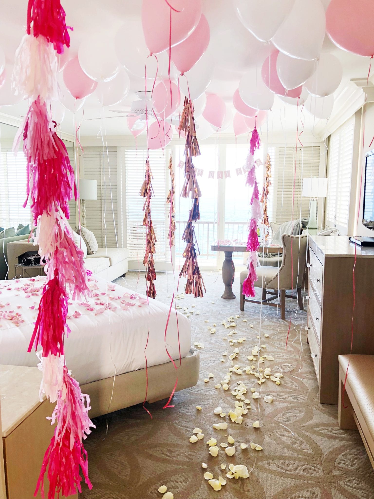 Hotel Room Decor: Special Occasion Hotel Room Decorating Package